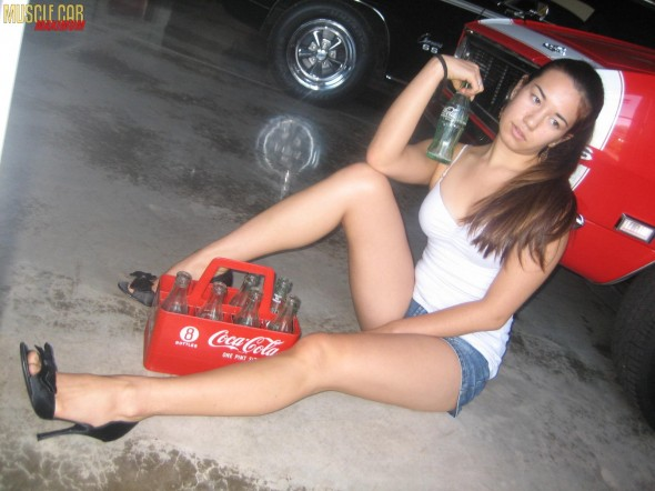 muscle-car-girl-thalia