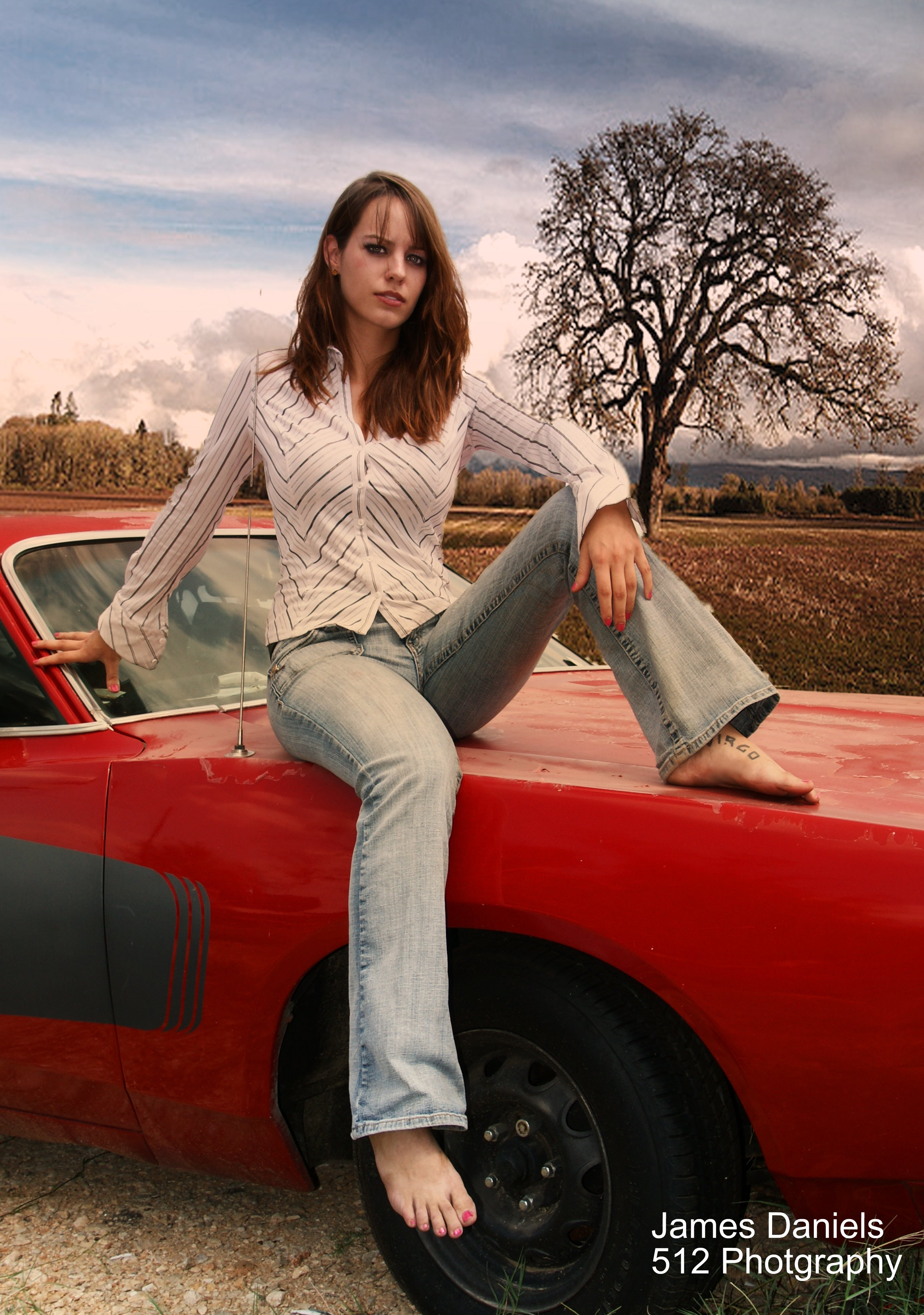 woman-on-old-muscle-car